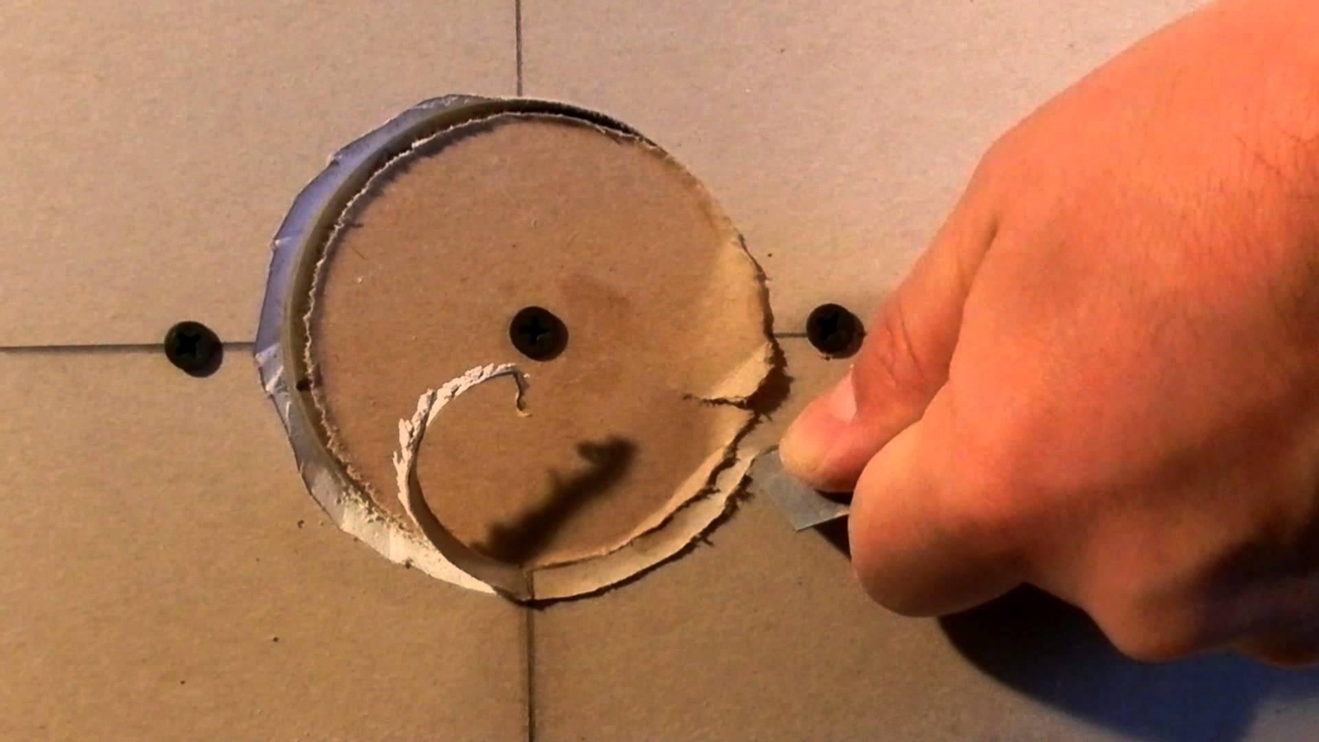 как вырезать дырку в гипсокартоне